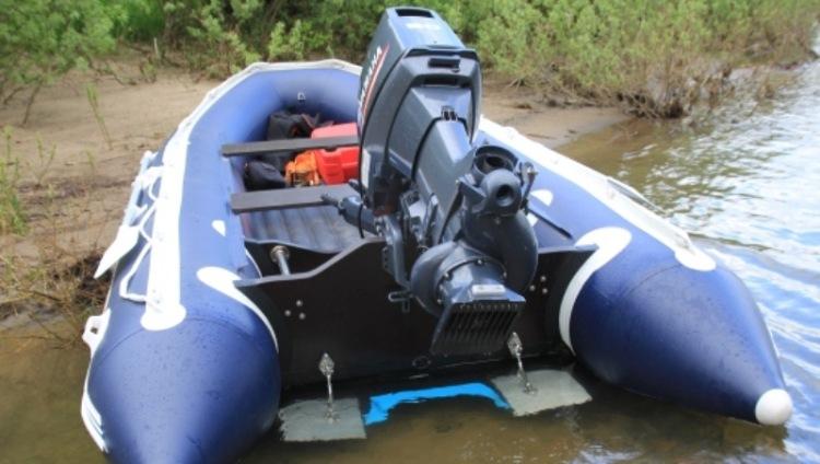 как правильно установить мотор с водометом на лодку
